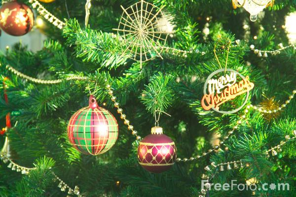 9904_12_23---Christmas-Tree_web